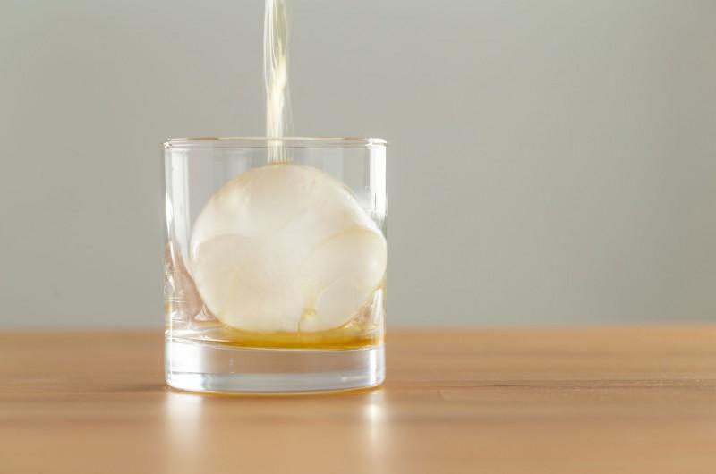 Barで出てくる氷と水道水で作った氷の違い